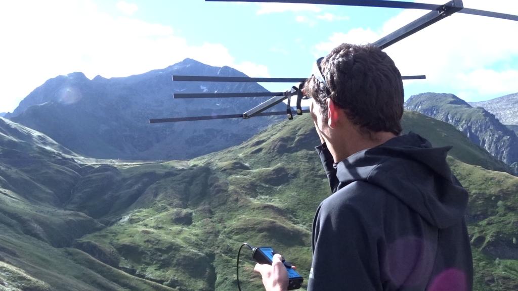 Suivez les techniciens en montagne